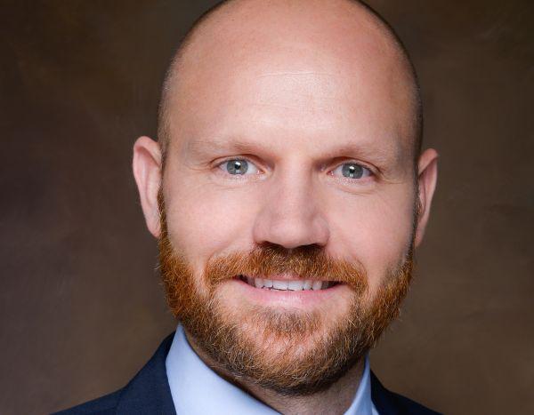 Nicolaj Schmidt van T. Row Price