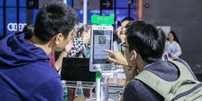 Koers Tencent onderuit