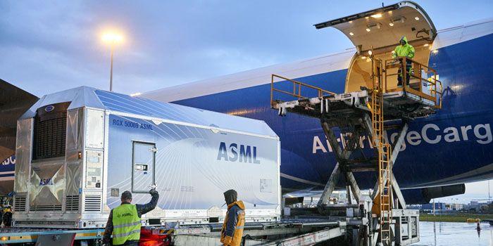 'ASML vuurt op alle cilinders'