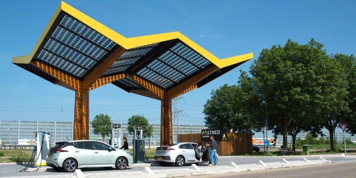 Fastned bouwt samen met Tesla snellaadstation in Oxford