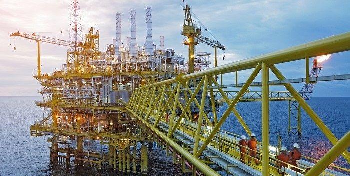 De olieprijs: een jaar nadat kopers er geld op toekregen