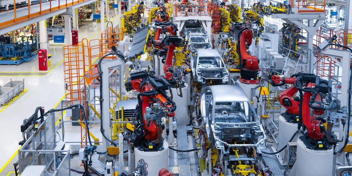 Amerikaanse fabrieksorders stijgen licht