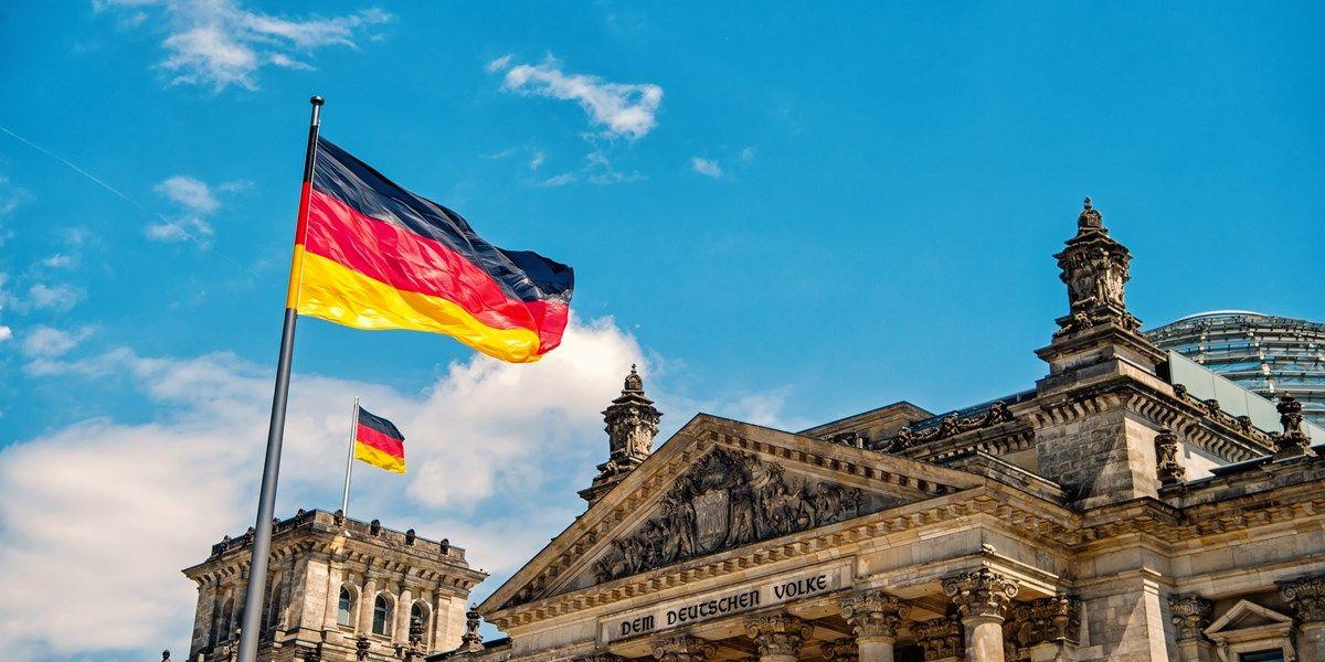 Duitse dienstensector krimpt weer