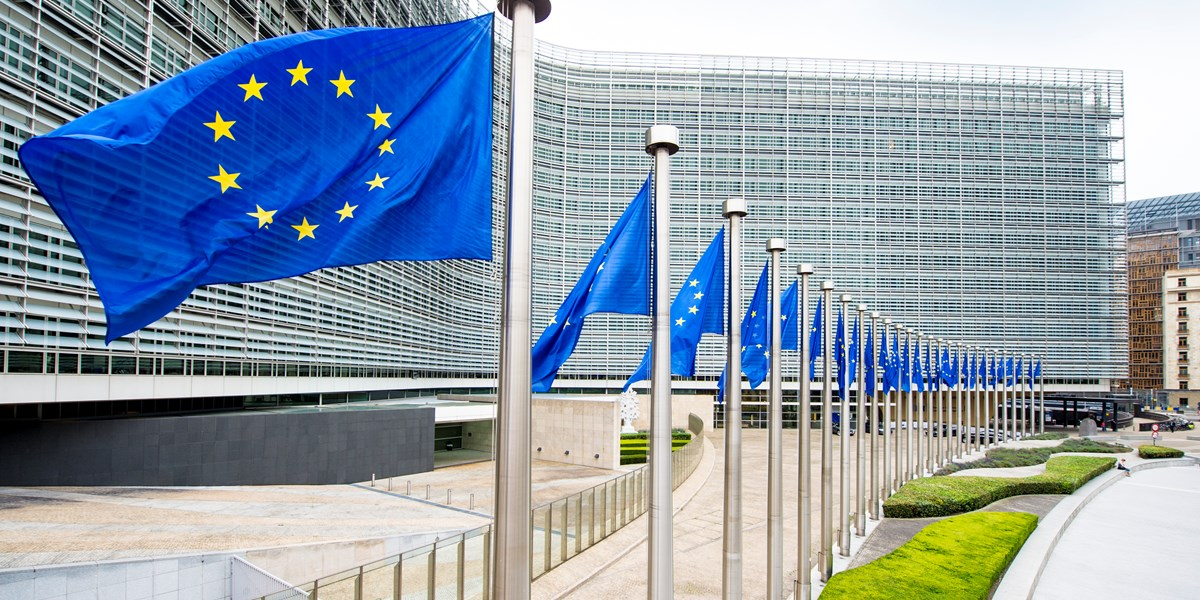 Europese beurzen fors lager rond middaguur