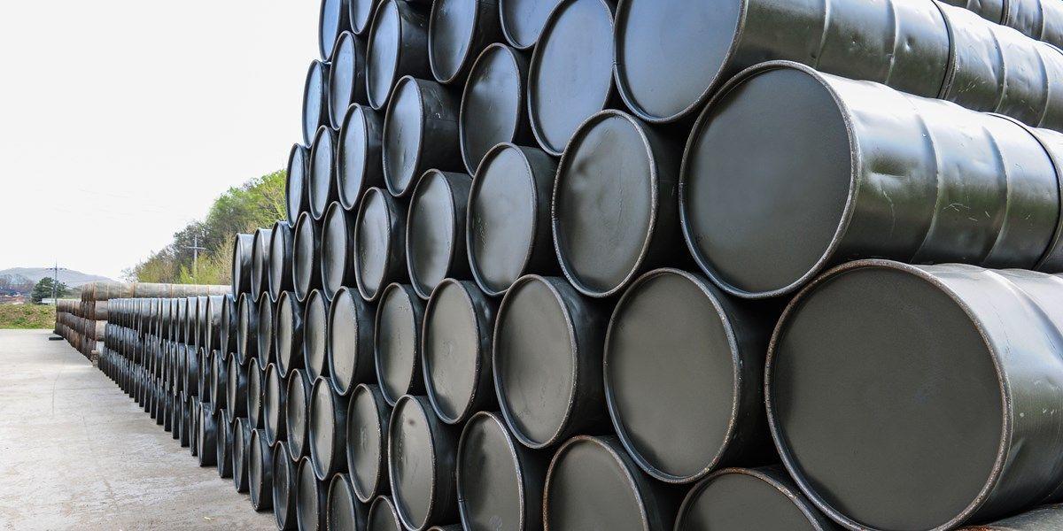 Amerikaanse olievoorraden dalen fors