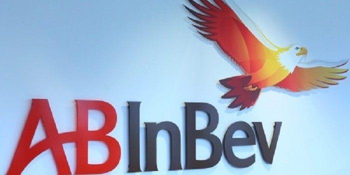 AB InBev sluit uitdagend jaar af met herstel in vierde kwartaal
