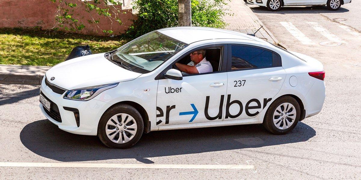 Uber neemt Britse chauffeurs in dienst