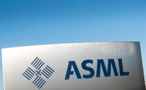 ASML fors hoger op sterke vooruitzichten