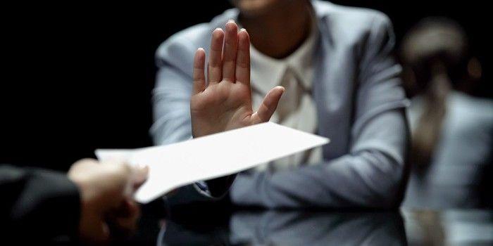 Toezichthouder AFM waarschuwt voor oplichters in crisistijd
