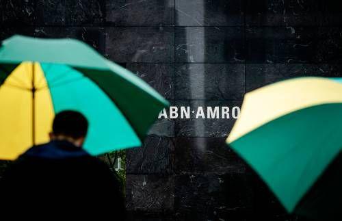 ABN AMRO duikt voor honderden miljoenen euro's in het rood