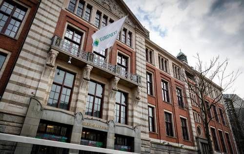 Eurocommercial uitblinker op lagere beurs
