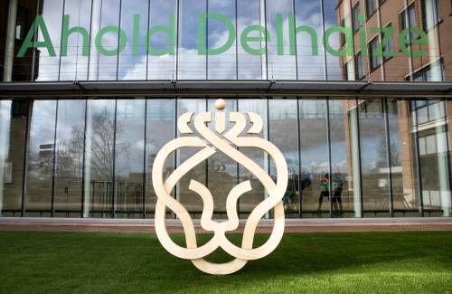Ahold Delhaize blijft profiteren van hamsteren en online shoppen
