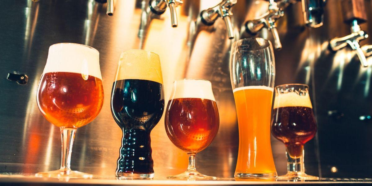 Bierverkopen hard gedaald, thuis wordt wel iets meer gedronken