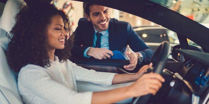 Lockdownmaatregelen zitten verkopen nieuwe auto's dwars