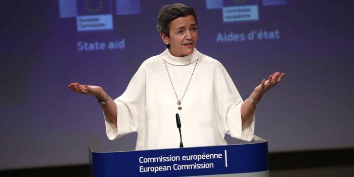 Eurocommissaris mengt zich in conflict tussen Apple en Facebook