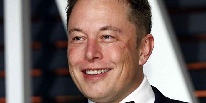 Elon Musk: beter om bitcoins te hebben dan dollars en euro's