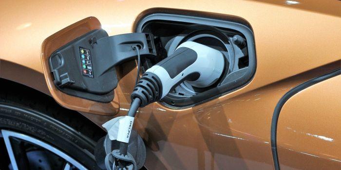 'Plug-inhybrideauto niet altijd duurzamer dan benzineauto'