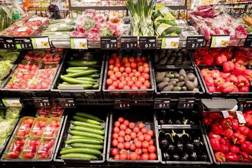 Albert Heijn stopt met gratis plastic zakjes bij fruitafdeling